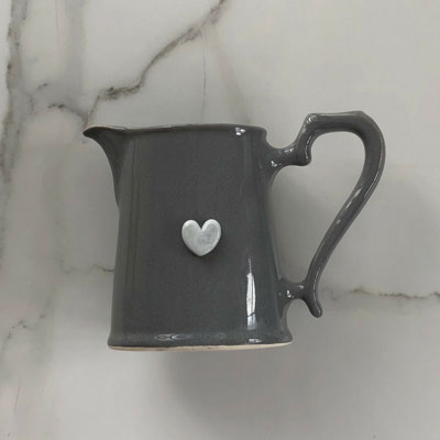 Milk Jug Heart Black